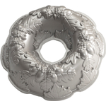 Nordic Ware Platinum Bakeware Autumn Wreath Bundt Cake Pan
