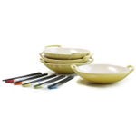 Le Creuset Soleil Yellow Stoneware Set of 4 Wok Dish Set with Chopstick Rests and Chopsticks