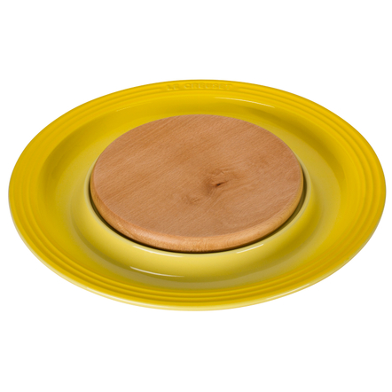 Le Creuset Soleil Yellow Stoneware Cheese Server with Beechwood Cutting Board