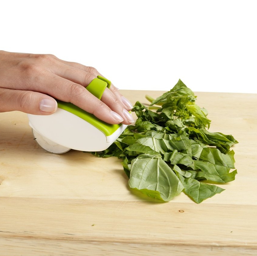 Palm Mincer™ Rolling Herb Mincer