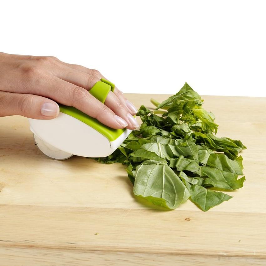 Palm Mincer™ Rolling Herb Mincer