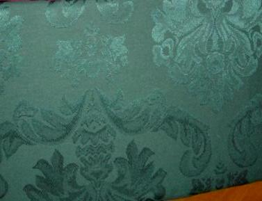 Regency Evergreen 84 Inch Oval Damask Tablecoth