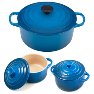 Le Creuset Signature Marseille Blue Enameled Cast Iron 5.5 Quart Round French Oven with 2 Free Stoneware Cocottes