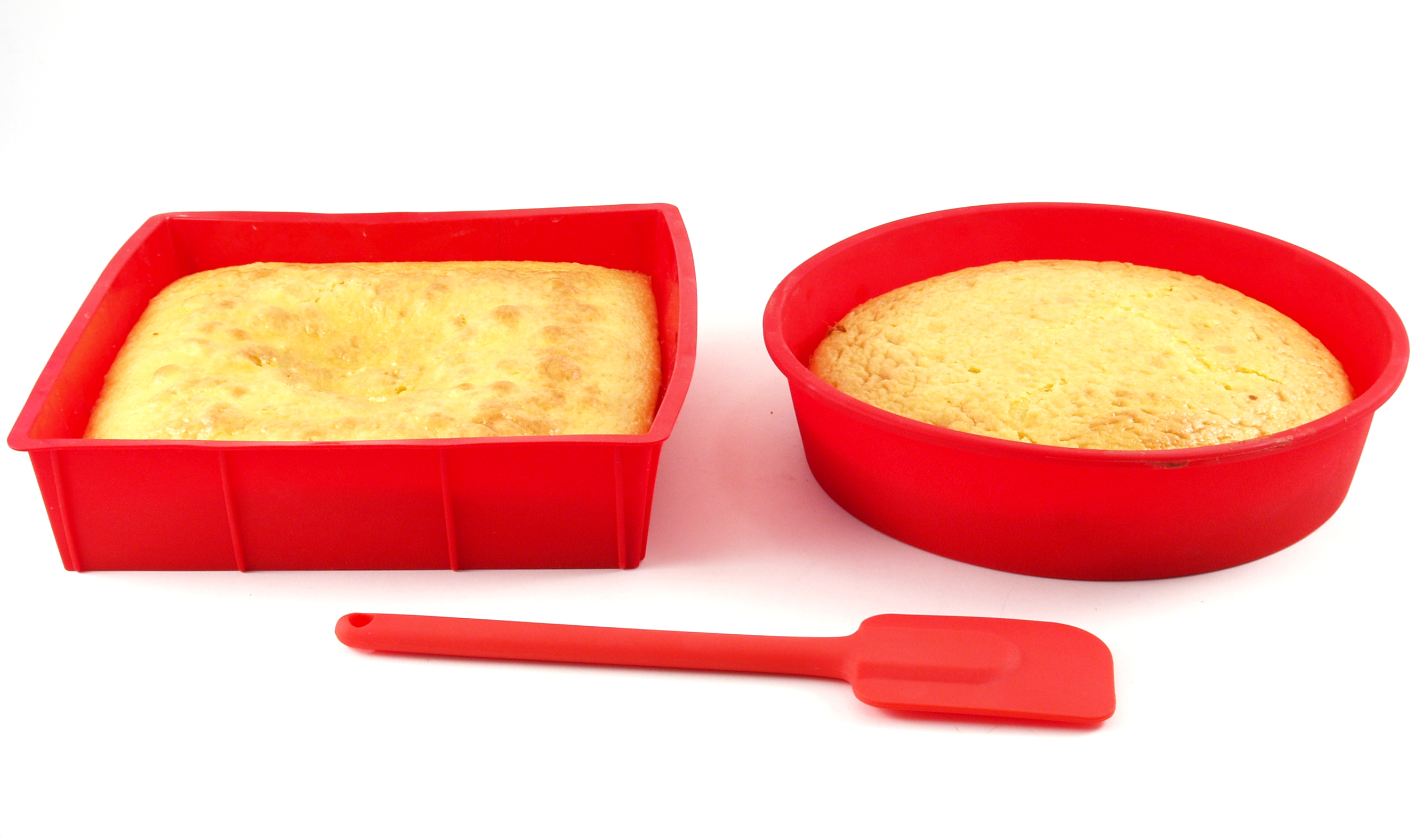 HIC Essentials Red Silicone Valentine's Day Practical Heart Cake Kit with Scraper